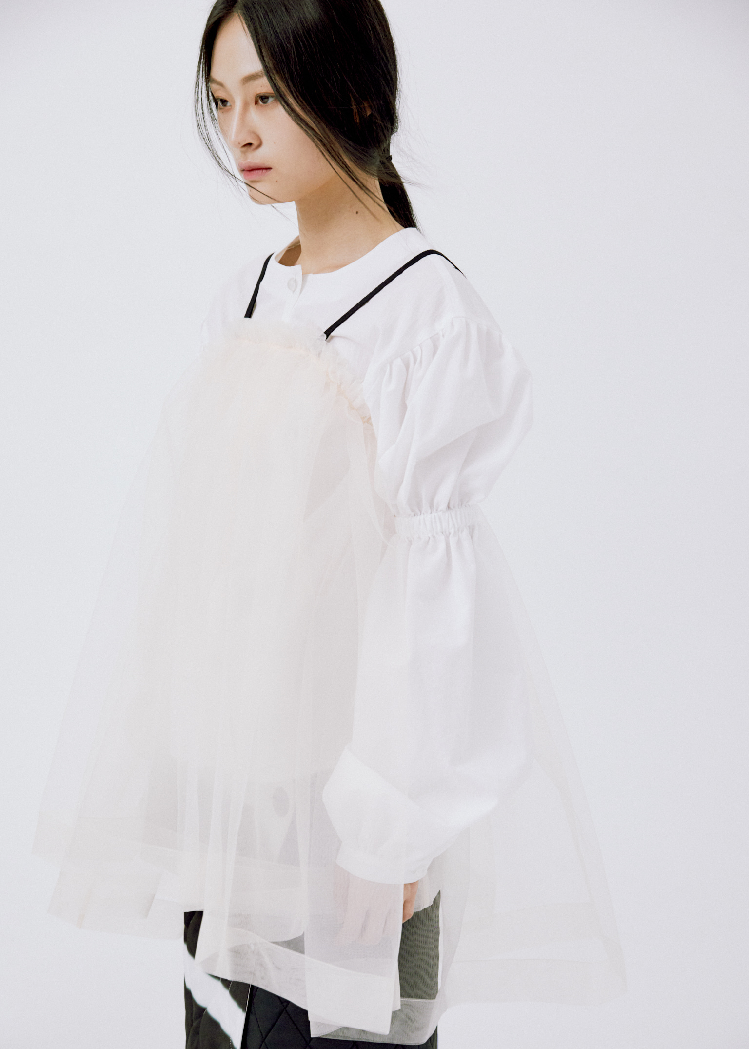 TWO VOLUME SLEEVE SHIRT